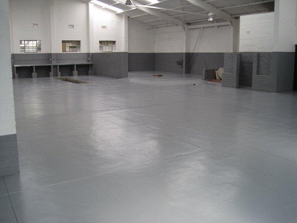 02 S26 Plastic Floor Enamel Buccaneer